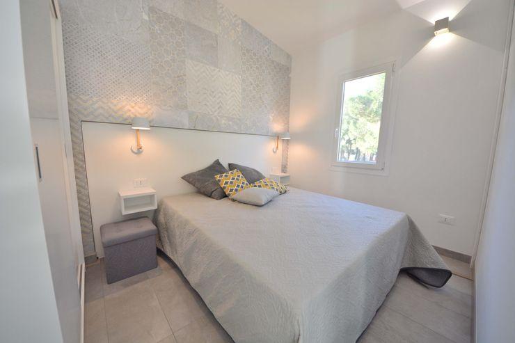 Camera matrimoniale casa prefabbricata SIB CASE MOBILI Camera da letto moderna Laterizio Grigio