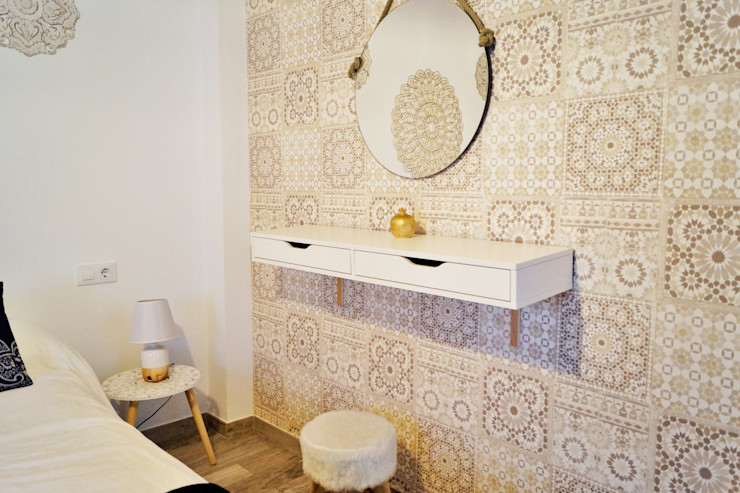 Dormitorio matrimonio - Tocador Housing & Colours Dormitorios de estilo moderno Azulejos Beige
