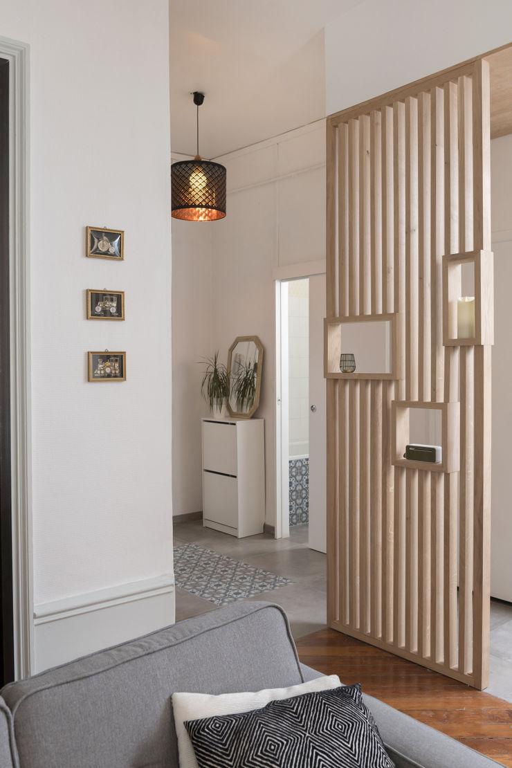 Chez Sophie et Morgan Camille BASSE, Architecte d'intérieur Couloir, entrée, escaliers modernes