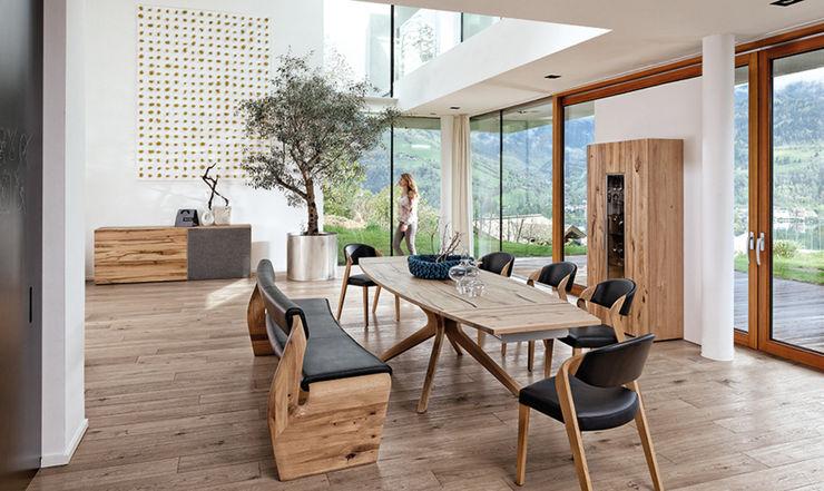 Ensemble salle à manager avec blanc, chaises et table en bois massif Imagine Outlet Salle à mangerTabourets & bancs Bois Marron