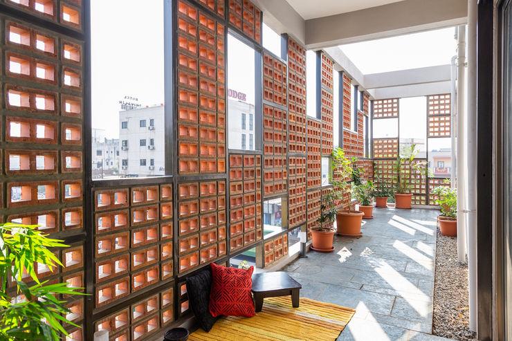 Design for 4,000 sq. ft. at Ranjangaon Ganpati, Pune M+P Architects Collaborative Balcony