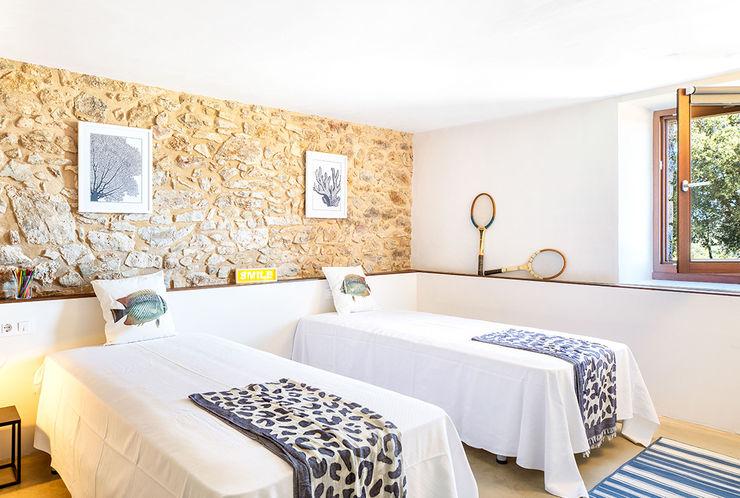 Home Staging en Masía en Girona Markham Stagers Habitaciones juveniles