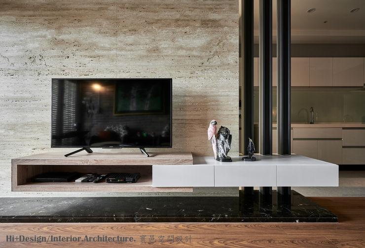 電視牆 Hi+Design/Interior.Architecture. 寰邑空間設計 Modern walls & floors Marble Brown