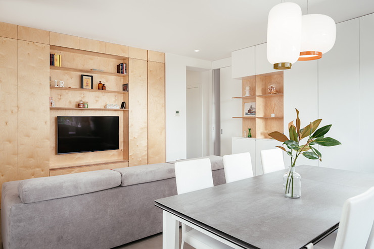 Soggiorno e zona pranzo manuarino architettura design comunicazione Soggiorno minimalista Legno Bianco