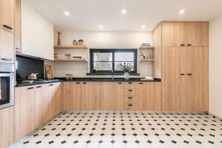 Reabilitação de cozinha Rima Design Armários de cozinha Acabamento em madeira