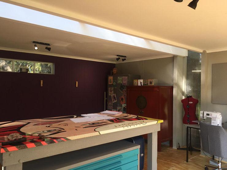 The interior A4AC Architects 客廳 金屬 Purple/Violet