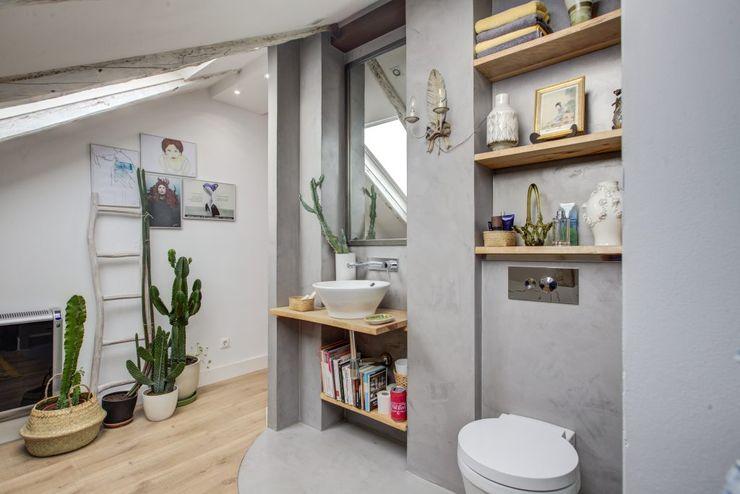Decorando tu espacio - interiorismo y reforma integral en Madrid. 現代浴室設計點子、靈感&圖片