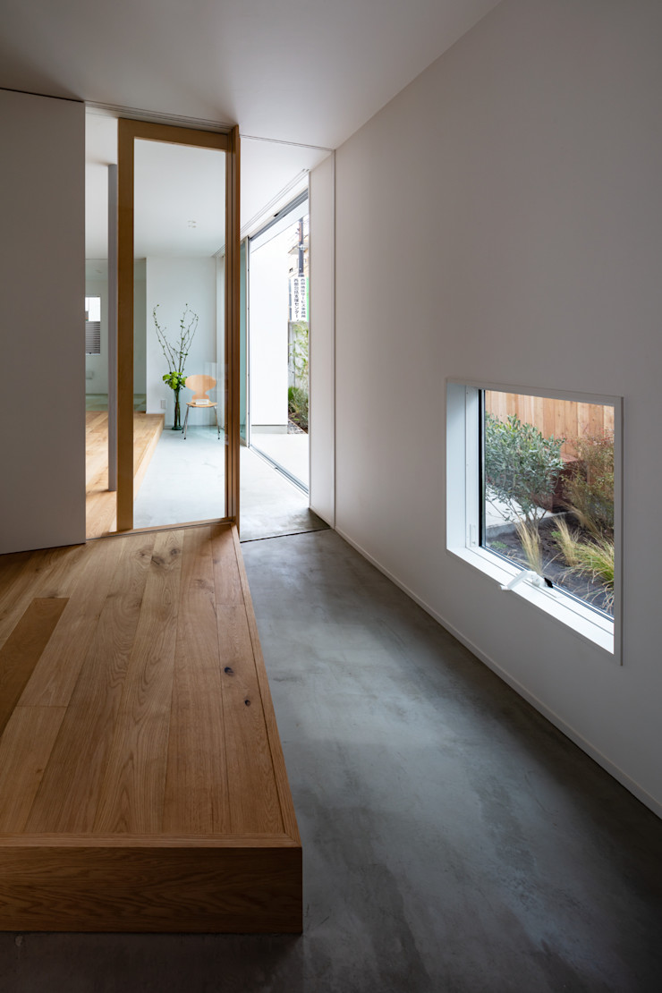 hm+architects 一級建築士事務所 Modern Corridor, Hallway and Staircase Concrete