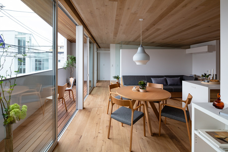 hm+architects 一級建築士事務所 Modern Dining Room Wood Wood effect