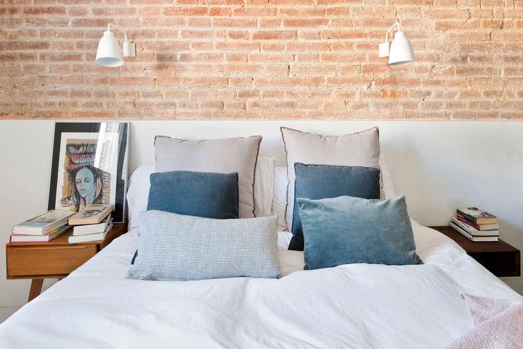 THE ROOM & CO interiorismo Mediterranean style bedroom