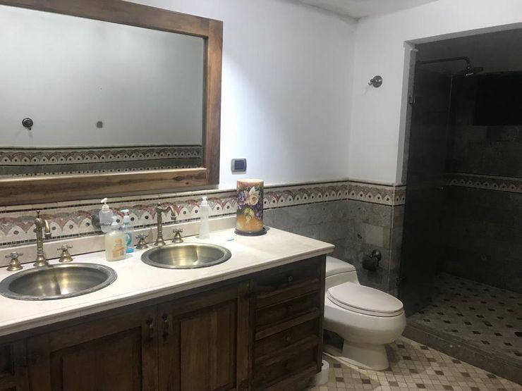 CIENTO ONCE INMOBILIARIA Rustikale Badezimmer