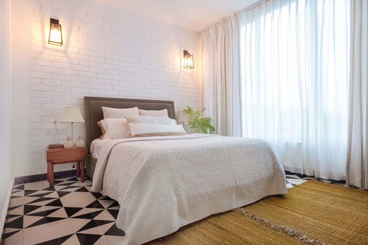 Bedroom 2 Josmo Studio Rustic style bedroom