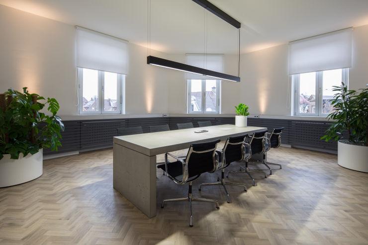 Besprechungszimmer Kaldma Interiors - Interior Design aus Karlsruhe