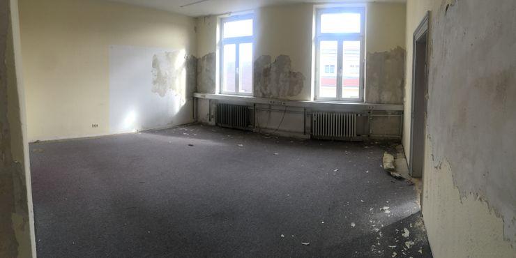Büroraum Arbeitsplätze Vorher Kaldma Interiors - Interior Design aus Karlsruhe