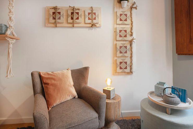 Zona de Estar Rafaela Fraga Brás Design de Interiores & Homestyling Salas de estar escandinavas Rosa