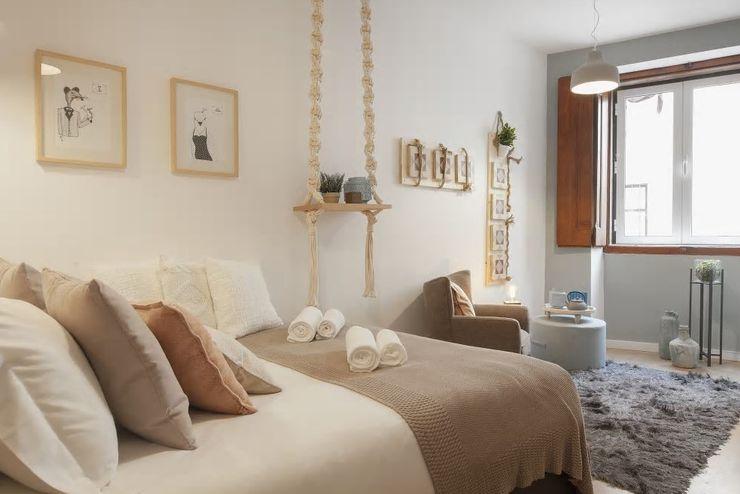 Zona de Dormir e de Estar Rafaela Fraga Brás Design de Interiores & Homestyling Quartos pequenos Bege