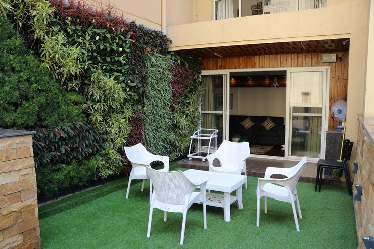 Pixilo Design Moderner Balkon, Veranda & Terrasse