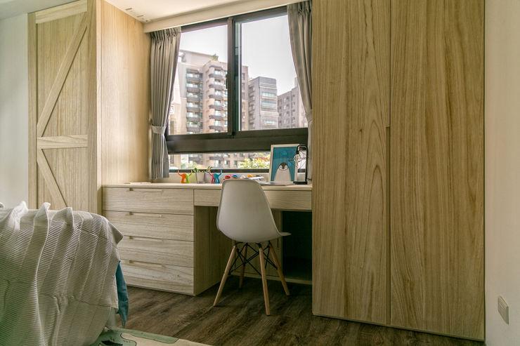懷舊復古風-看見不一樣的風格與靈魂-全坤峰華 富亞室內裝修設計工程有限公司 青少年房 MDF Beige