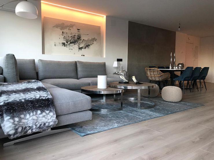 Decorando tu espacio - interiorismo y reforma integral en Madrid. 现代客厅設計點子、靈感 & 圖片
