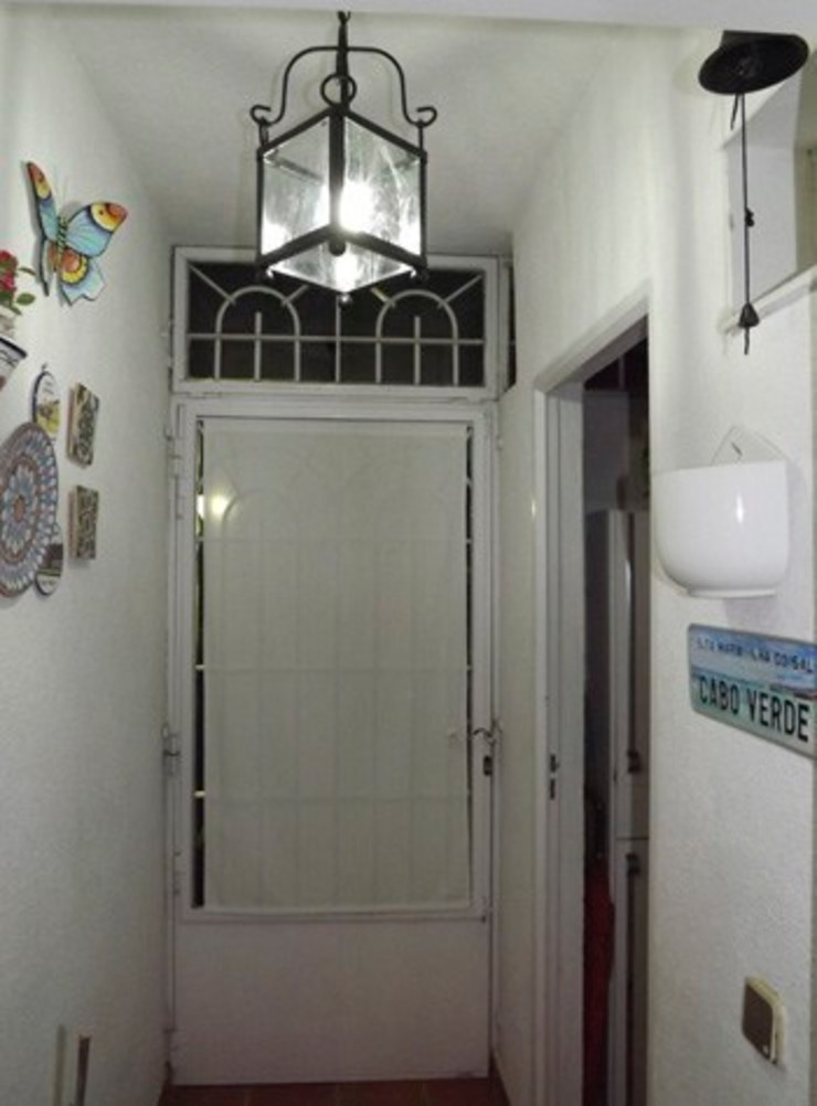 Reforma y ampliación de un baño en Madrid Almudena Madrid Interiorismo, diseño y decoración de interiores Pasillos, vestíbulos y escaleras de estilo moderno