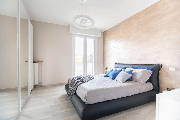 Ristrutturazione appartamento di 100 mq a Bariano, Bergamo Facile Ristrutturare Camera da letto moderna
