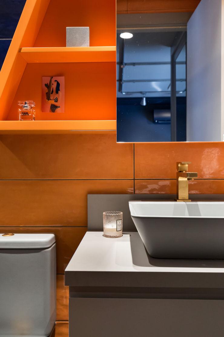 Bloco Z Arquitetura Modern bathroom