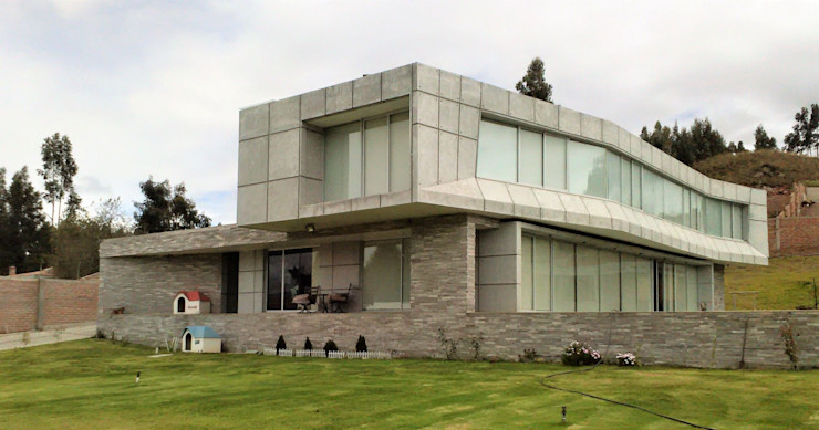Brassea Mancilla Arquitectos, Santiago Log cabin Concrete Grey