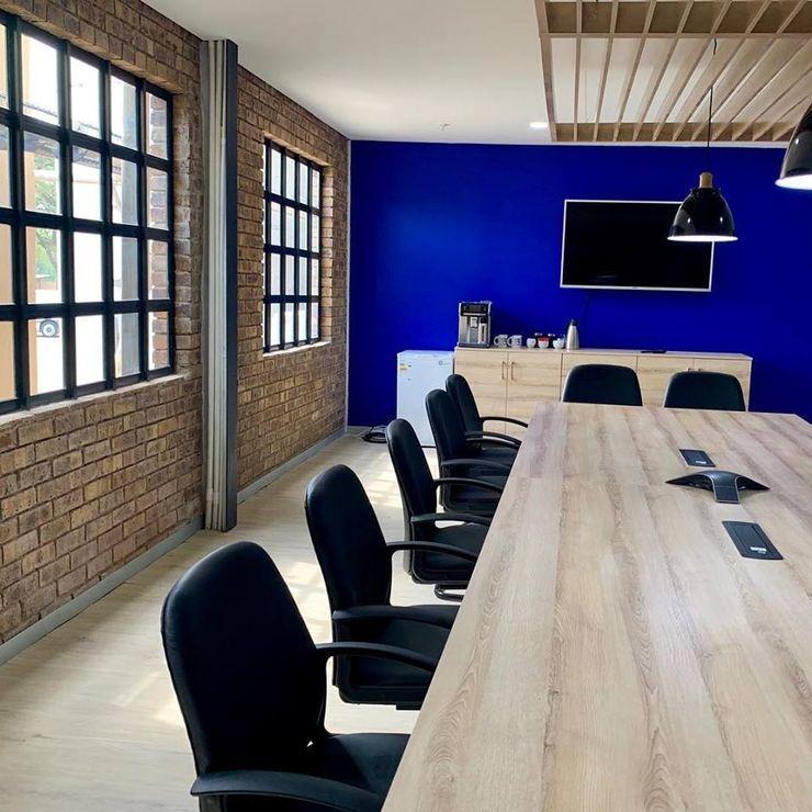 CS DESIGN Edificios de oficinas de estilo moderno