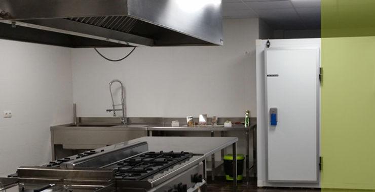 Obrisa Reformas y rehabilitaciones. KitchenBench tops