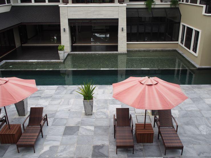 Mode Architects Sdn Bhd Tropical style balcony, veranda & terrace