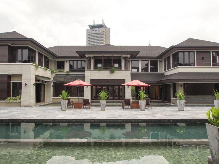 Mode Architects Sdn Bhd Casas de estilo tropical