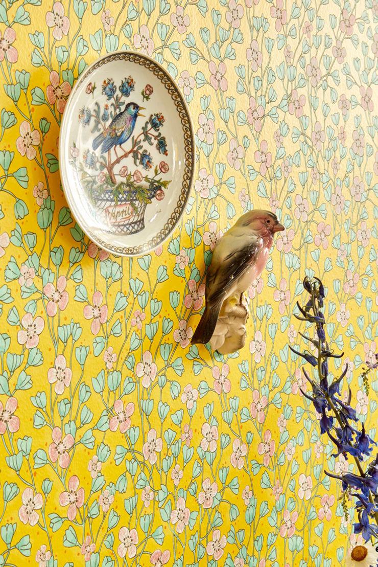 TapetenStudio.de Modern Walls and Floors Yellow