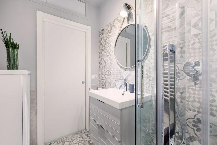 Appartamento Porta Romana Desearq Studio _ architettura e interior design a Milano Bagno moderno