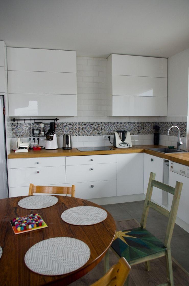 Cerames Built-in kitchens Ceramic White