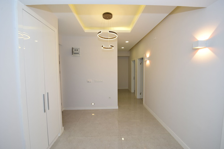 Locaefes Projesi, B Tip daire girişi Orby İnşaat Mimarlık Modern Koridor, Hol & Merdivenler Beton Beyaz