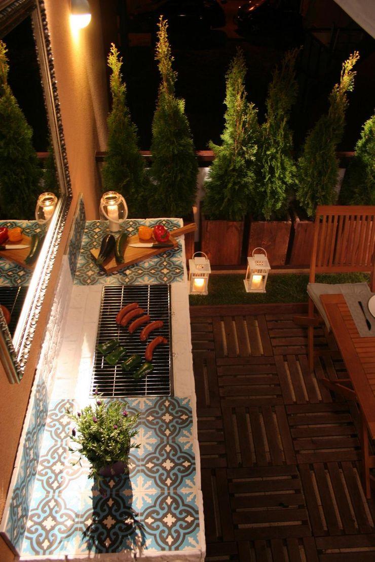 Cerames Classic style balcony, porch & terrace