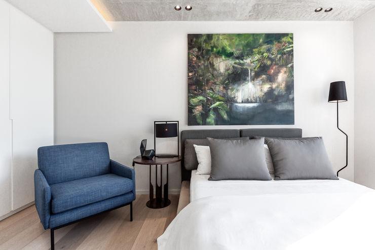 152 Waterkant GSQUARED architects Minimalist bedroom