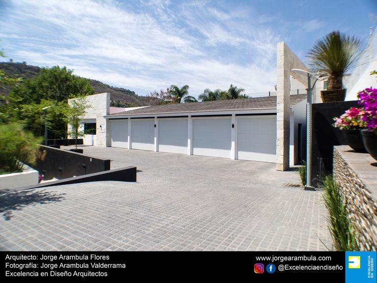 Casa La Nogalera Excelencia en Diseño Garajes minimalistas