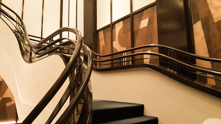 Kunstvoller Handlauf aus der Holzmanufaktur, Siller Treppen Siller Treppen/Stairs/Scale Treppe Holz Braun