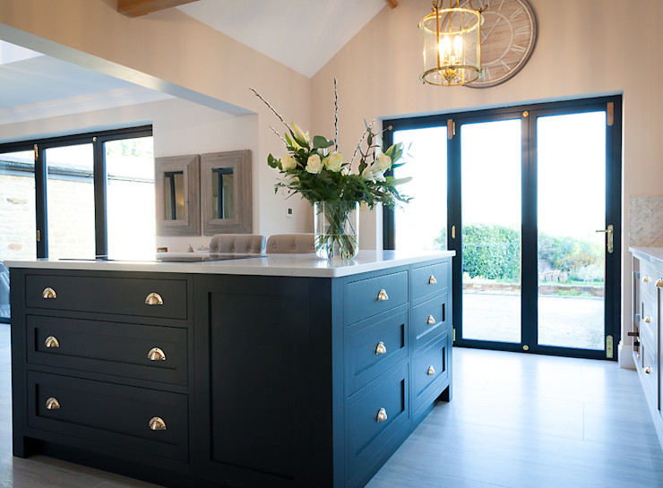 Stunning Cogenhoe Kitchen The White Kitchen Company Kitchen units Solid Wood Black