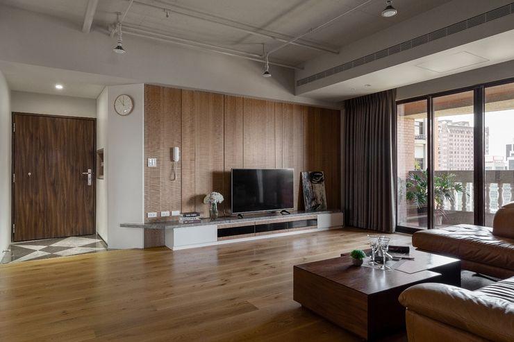 悠然寫意‧樂漫遊 權相室內裝修設計有限公司 客廳