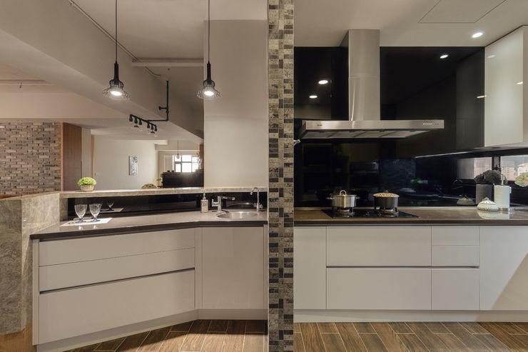 悠然寫意‧樂漫遊 權相室內裝修設計有限公司 廚房