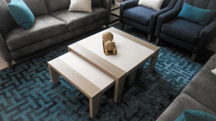Mesas nido Espacio M Salones de estilo moderno Madera Azul