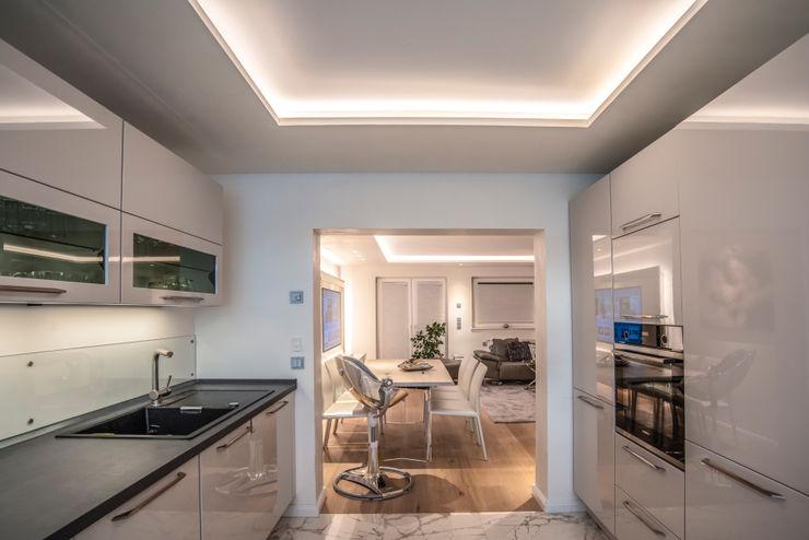 Exklusive Lichtplanung einer Designer Wohnung Moreno Licht mit Effekt - Lichtplaner Einbauküche