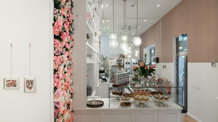 Ivy's Design - Interior Designer aus Berlin 餐廳 塑膠 Pink