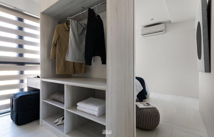 更衣室 邑田空間設計 Minimalist dressing room White