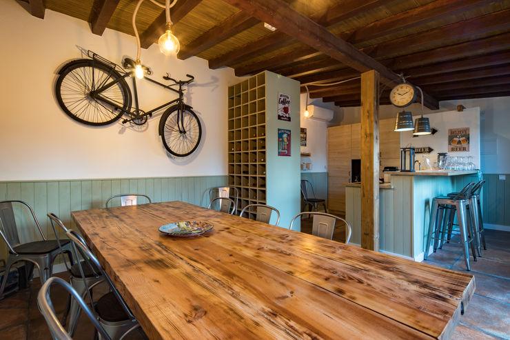 Atelier d'Maison Varandas, alpendres e terraços modernos
