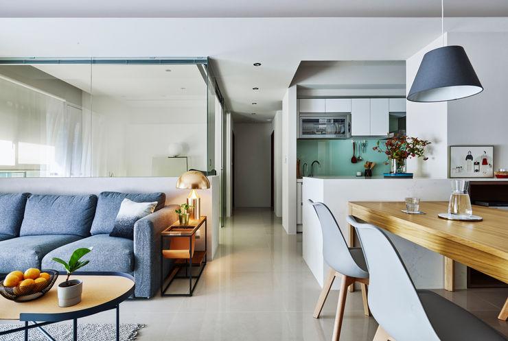 開放空間 樸十設計有限公司 SIMPURE Design Minimalist corridor, hallway & stairs