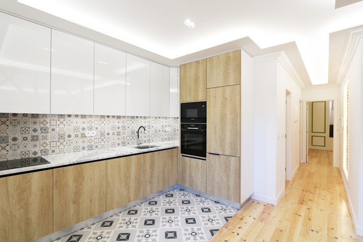 Lisbon Heritage Eclectic style kitchen