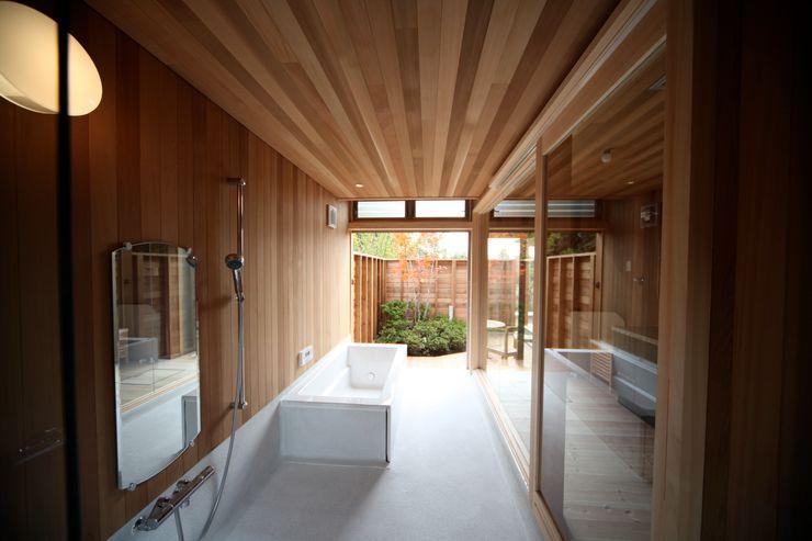 株式会社高野設計工房 Scandinavian style bathrooms